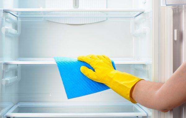 یخچال را با ساده ترین راه تمیز کنید