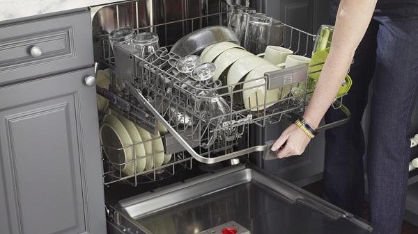 هرگز این ظروف را با ماشین ظرفشویی نشویید