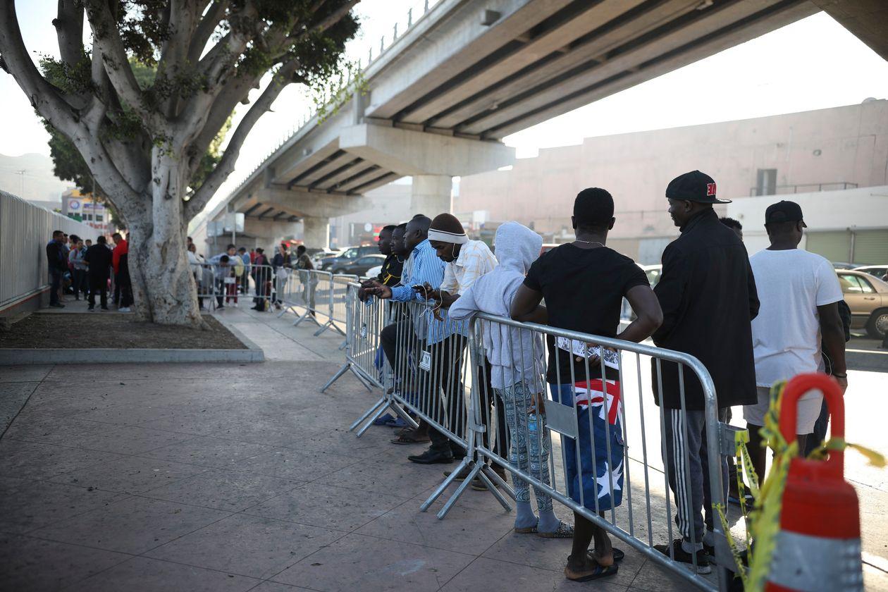 وزارت دادگستری آمریکا DNA مهاجران در بازداشت را جمع آوری میکند
