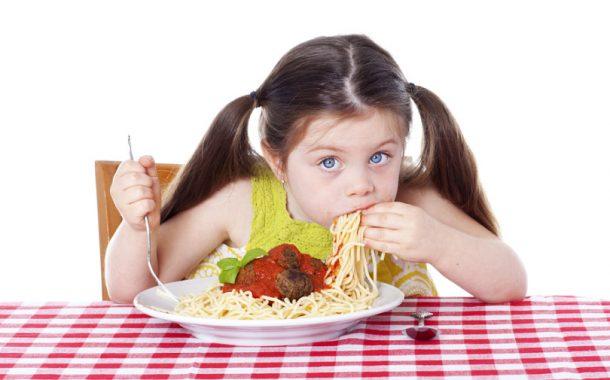 تاثیر سرعت غذا خوردن در کاهش یا افزایش وزن!