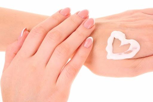 پوست خشک و راه های درمان آن در خانه
